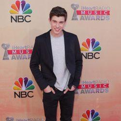 Shawn Mendes en los premios iHeartRadio 2015