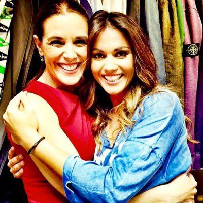 Raquel Sánchez Silva y Lara Álvarez posan muy sonrientes