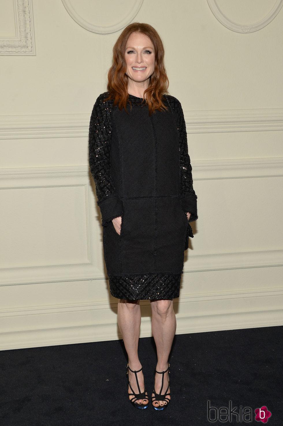 Julianne Moore en la presentación en Nueva York de la colección de Chanel París-Salzburgo 2014/15