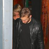 Taylor Swift y Calvin Harris confirman su romance tras salir juntos de un concierto en un club