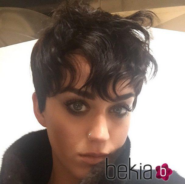 Katy Perry con el pelo corto