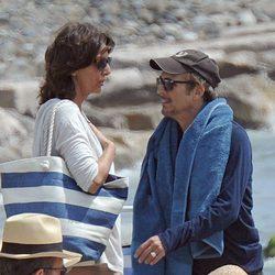 Juan Ribó y Pastora Vega pasando la Semana Santa 2015 en las playas de Marbella