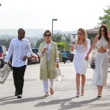 Kris Jenner junto a Khloé Kardashian y Kendall Jenner en la Misa de Pascua 2015