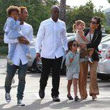 Kourtney Kardashian con Michael Ray y Corey Gamble en la Misa de Pascua 2015