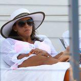 Eva Longoria muy seria durante sus vacaciones de Pascua 2015 en Miami
