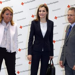 La Reina Letizia en una reunión de trabajo con Cruz Roja Española