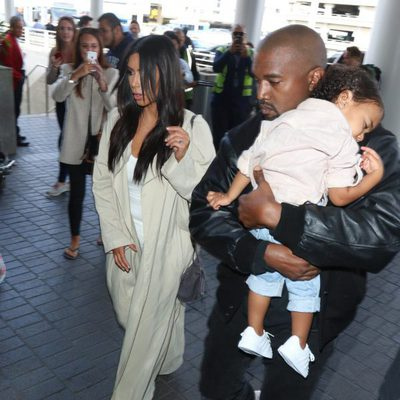 Kim Kardashian con Kanye West y North West en Armenia