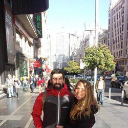 Yoli y Jonathan, de 'GH 15', en la Gran Vía madrileña