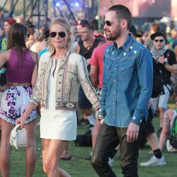 Kate Bosworth y Michael Polish en el Festival de Coachella 2015