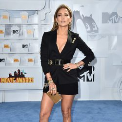 Jennifer Lopez en los MTV Movie Awards 2015