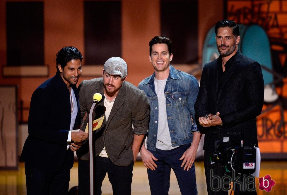 El reparto de 'Magic Mike XXL' durante la gala de los MTV Movie Awards 2015