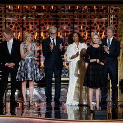 Reparto de actores de 'Ally McBeal' sobre el escenario de los 'TV Land Awards'