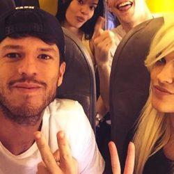 Ylenia y Fede en un avión