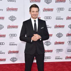 Jeremy Renner en el estreno de 'Los vengadores: la era de Ultron' en Los Angeles