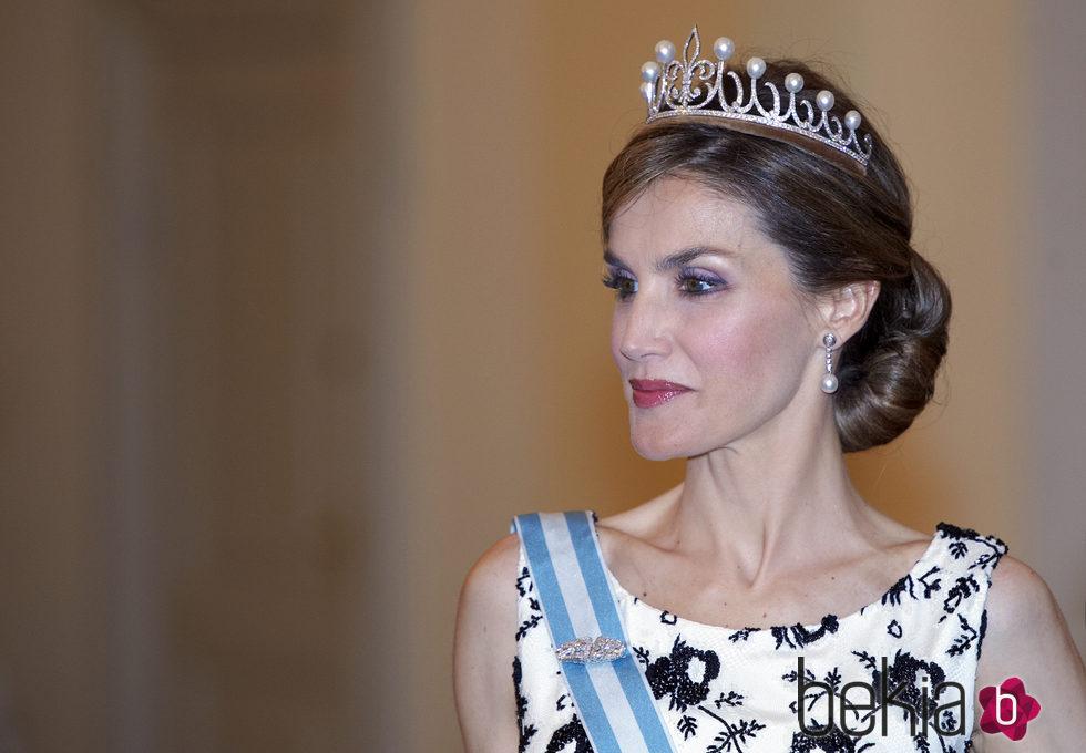 La Reina Letizia con la tiara princesa en el 75 cumpleaños de Margarita de Dinamarca