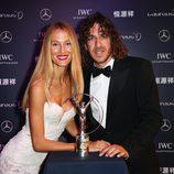 Carles Puyol y Vanesa Lorenzo en la entrega de los Premios Laureus del Deporte 2015