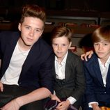Brooklyn, Romeo y Cruz Beckham en el desfile de Burberry 'London in Los Angeles'