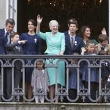 Margarita de Dinamarca con sus hijos, nueras y nietos en la celebración de su 75 cumpleaños