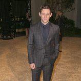 Jamie Bell en una fiesta organizada por Burberry en Los Angeles