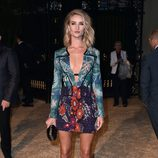 Rosie Huntington-Whiteley en una fiesta organizada por Burberry en Los Angeles