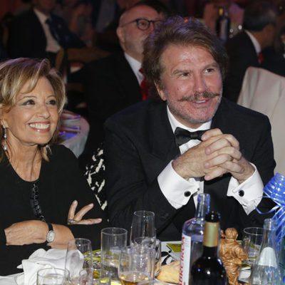 María Teresa Campos y Bigote Arrocet en los Premios Sancho Panza 2015