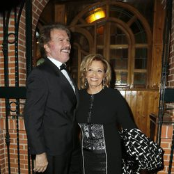 María Teresa Campos y Bigote Arrocet a su llegada a los Premios Sancho Panza 2015