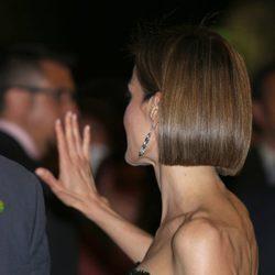 La Reina Letizia luce corte de pelo bob