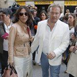 Isabel Gemio y Xavier Bennasar en el funeral de María Pineda en Madrid