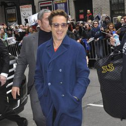 Robert Downey Jr. llegando al show de David Letterman en Nueva York