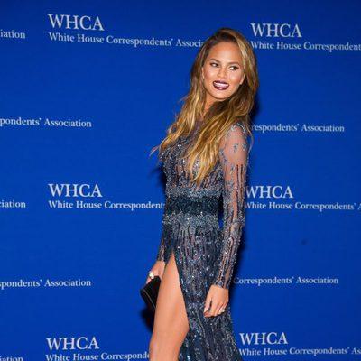 Chrissy Teigen en la Cena de Corresponsales de la Casa Blanca 2015