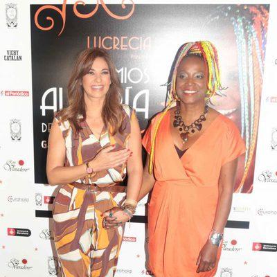 Lucrecia entrega a Mariló Montero el Premio Alegría de Vivir 2015