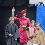 Máxima de Holanda con sus hijas Amalia, Alexia y Ariane en el Día del Rey 2015