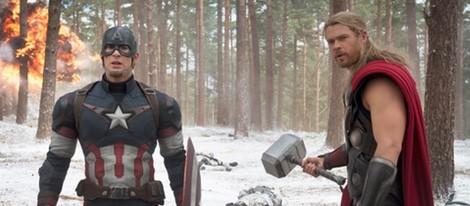 Chris Evans y Chris Hemsworth en una escena de 'Vengadores: La era de Ultron'