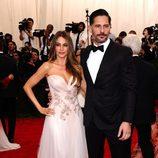Sofía Vergara y Joe Manganiello en la Gala del Met 2015