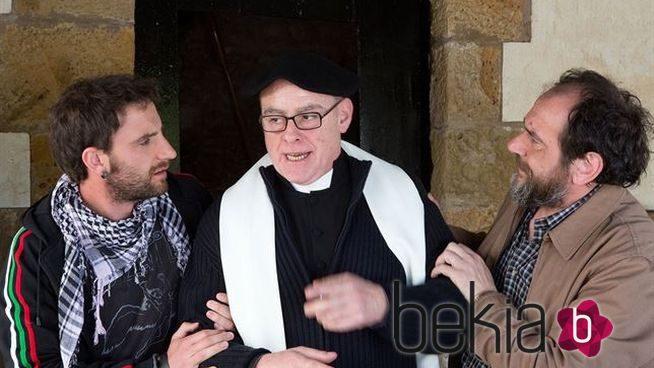 Dani Rovira, Aitor Mazo y Karra Elejalde en 'Ocho apellidos vascos'