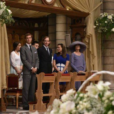 Pierre y Andrea Casiraghi, Estefanía y Carolina de Mónaco y Pauline y Louis Ducruet en el bautizo de Jacques y Gabriella de Mónaco