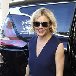 Sienna Miller a su llegada al Festival de Cannes 2015