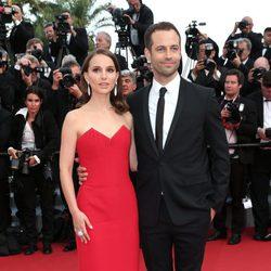 Natalie Portman y Benjamin Millepied en la ceremonia de inauguración del Festival de Cannes 2015
