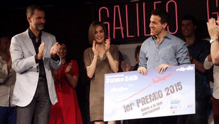 Los Reyes Felipe y Leticia entregan los premios de la final española de FameLab 2015