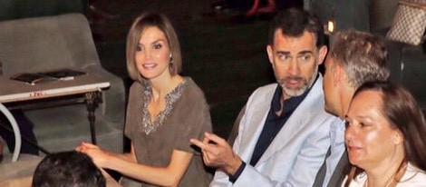 Los Reyes Felipe y Leticia asisten la final española del concurso FameLab 2015