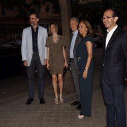 Los Reyes Felipe y Leticia llegan a la sala Galileo Galilei para asistir la final española de FameLab 2015
