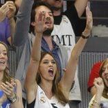 Helen Lindes vibrando con la victoria del Real Madrid en la Euroliga 2015