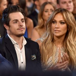 Jennifer Lopez y Casper Smart en los Billboard Music Awards 2015