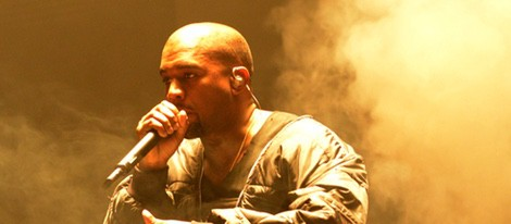 Kanye West actuando en los Billboard Music Awards 2015