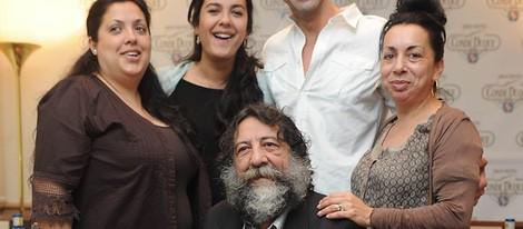 Manuel Molina con su familia