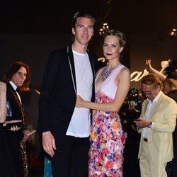 Poppy Delevingne y James Cook en la fiesta Chopard ofrecida por el Festival de Cannes 2015