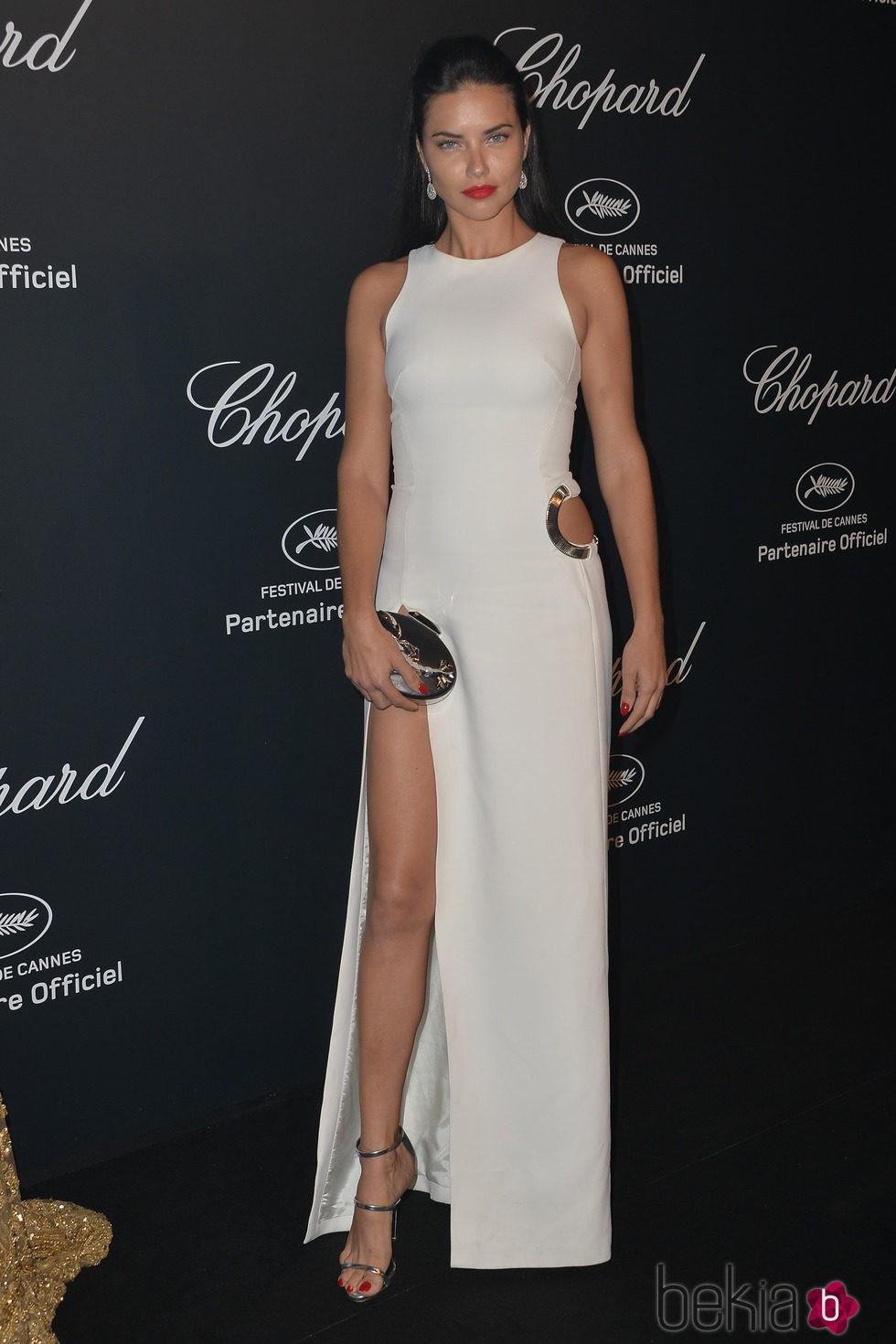 Adriana Lima en la fiesta Chopard ofrecida por el Festival de Cannes 2015