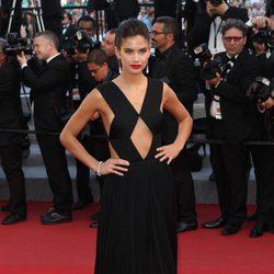 Sara Sampaio en el estreno de 'Inside Out' en Cannes 2015