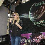 Edurne en una prueba de sonido en el Eurovision Village de Viena