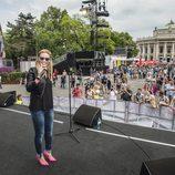 Edurne durante uno de los ensayos en el Eurovision Village de Viena